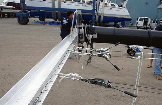 Nance and Underwood Installs Yacht Mast with Custom Buttbar