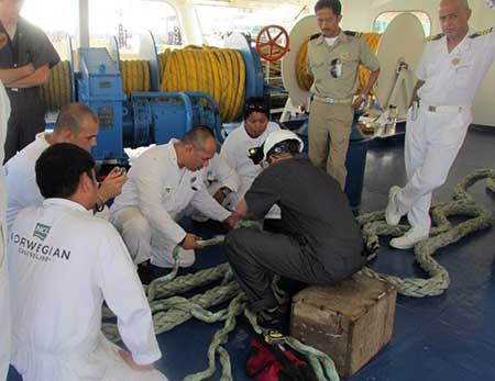 N&U Technicians Provide Mooring Service and Splicing